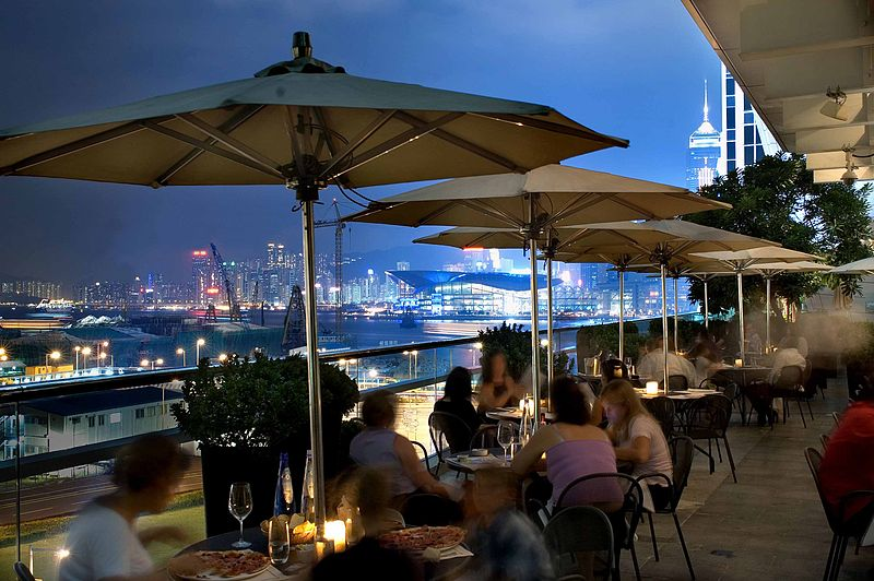 Isola bar and grill italian restaurant on hong kong for Open terrace restaurants